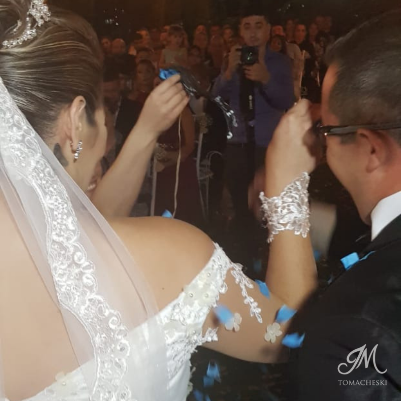 A revelação do sexo do bebe durante a cerimônia de Aline e Mauricio